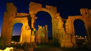 Palmyra Arch That Survived ISIS Will Be Recreated in New York and London